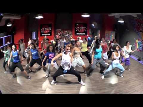 """RaggaBoost Workshop/ """"Dança de creu"""" warm up & """"Broad out"""" RDX choreo/ All level."""