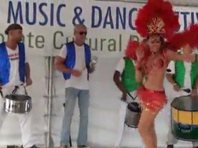 hot brazilian girl dancing