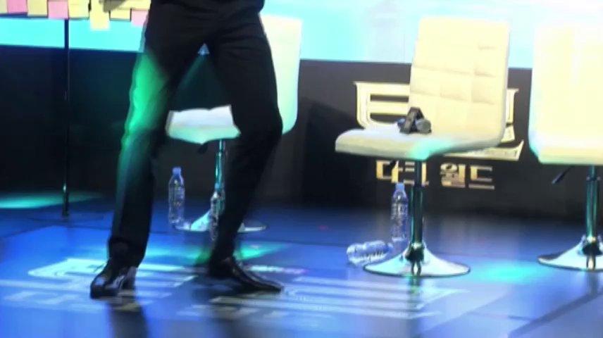 Hiddleston Does the Loki-motion