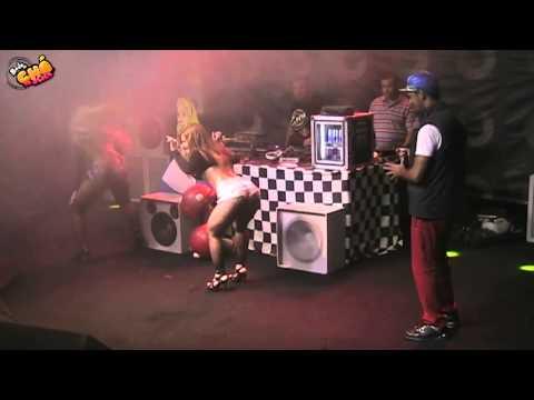 MC Créu – DJ Controla Sua Bunda (Ao Vivo) @ Baile do Chá da Alice – Pheeno TV