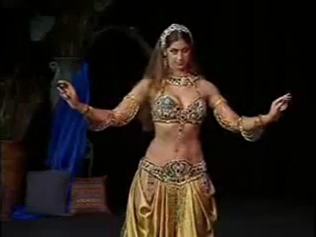 Hot belly Dance and mujra, Kala Jorra Pa sadi farmaish tay – YouTube