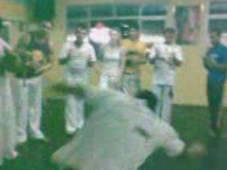 Dandara Bambula visita ao polo do grupo dança e luta