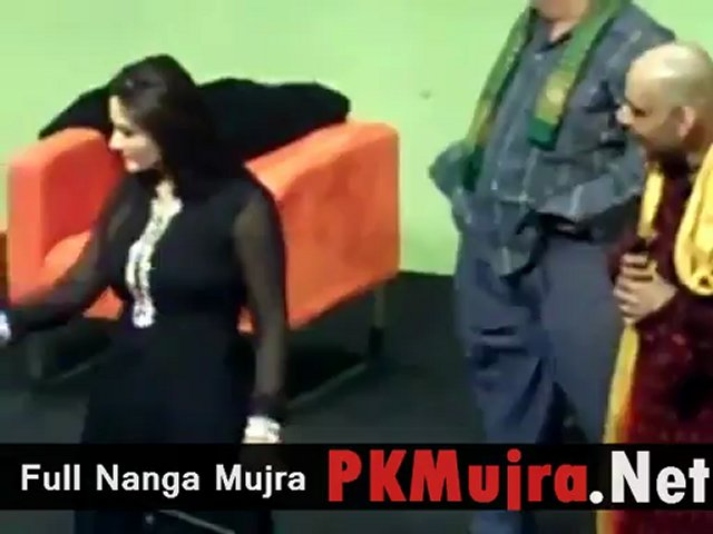 Pakistani Punjabi Stage Drama Nargis hot mujra jokes dance 2012 new