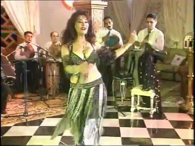 Mona Mohamed – Ghanili ChWaya – Oriental Belly Dance