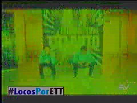 El pole dance de Jonathan y Paola