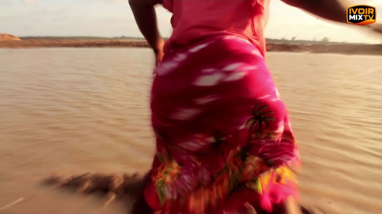 Ivoirmixdj – Vidéo Démo : Dj Moasco et  Serge Beynaud – Mapouka Original (démo Officiel)