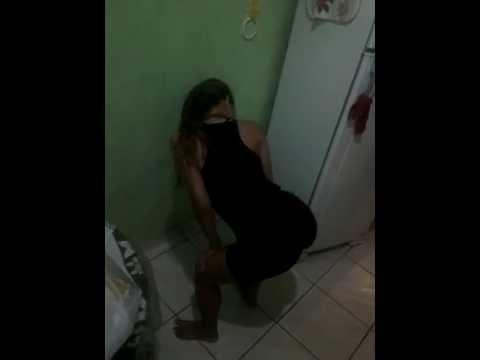 Novinha Dançando – Mc creu patrão de israel- Estefanne Diva