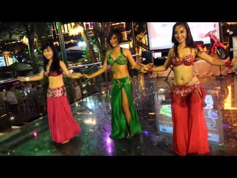 Nhà hàng LÃ VỌNG Tri Ân Khách Hàng – Múa bụng (Belly dance)