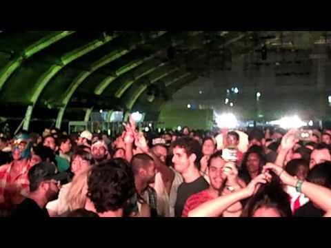 Major Lazer – Lollapalooza 2013 – Medley Funk Carioca + Dubstep + Harlem Shake
