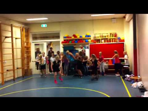 Zumbatomic Swing with Sandra, Danca do creu