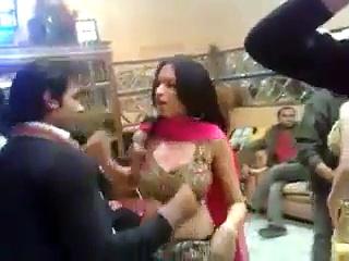 Pakistani Lahore Very Hot Sexy Mujra Dance