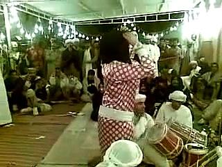 ARAB GIRLS DANCING MALAYA (BAIKOKO_LEUMBEUL_MAPOUKA)