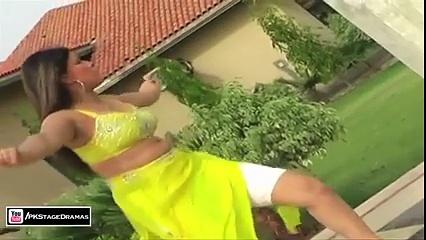Pakistani Larki Latest Mujra Dance