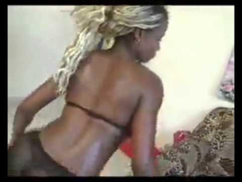 Mapouka Nsono Beach Sexy Dance