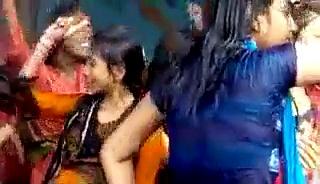 Water Fall Girls Viral HD Video 2015 | Sexy Wather Fall Girl Dance Full HD Video