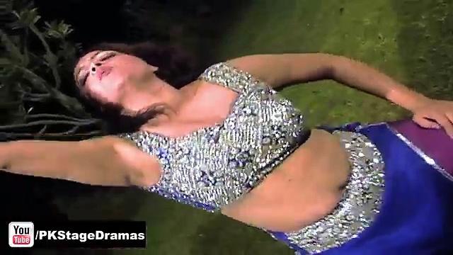 Falak Hot Sexy Punjabi Mujra – Pakistani Mujra Dance 2014