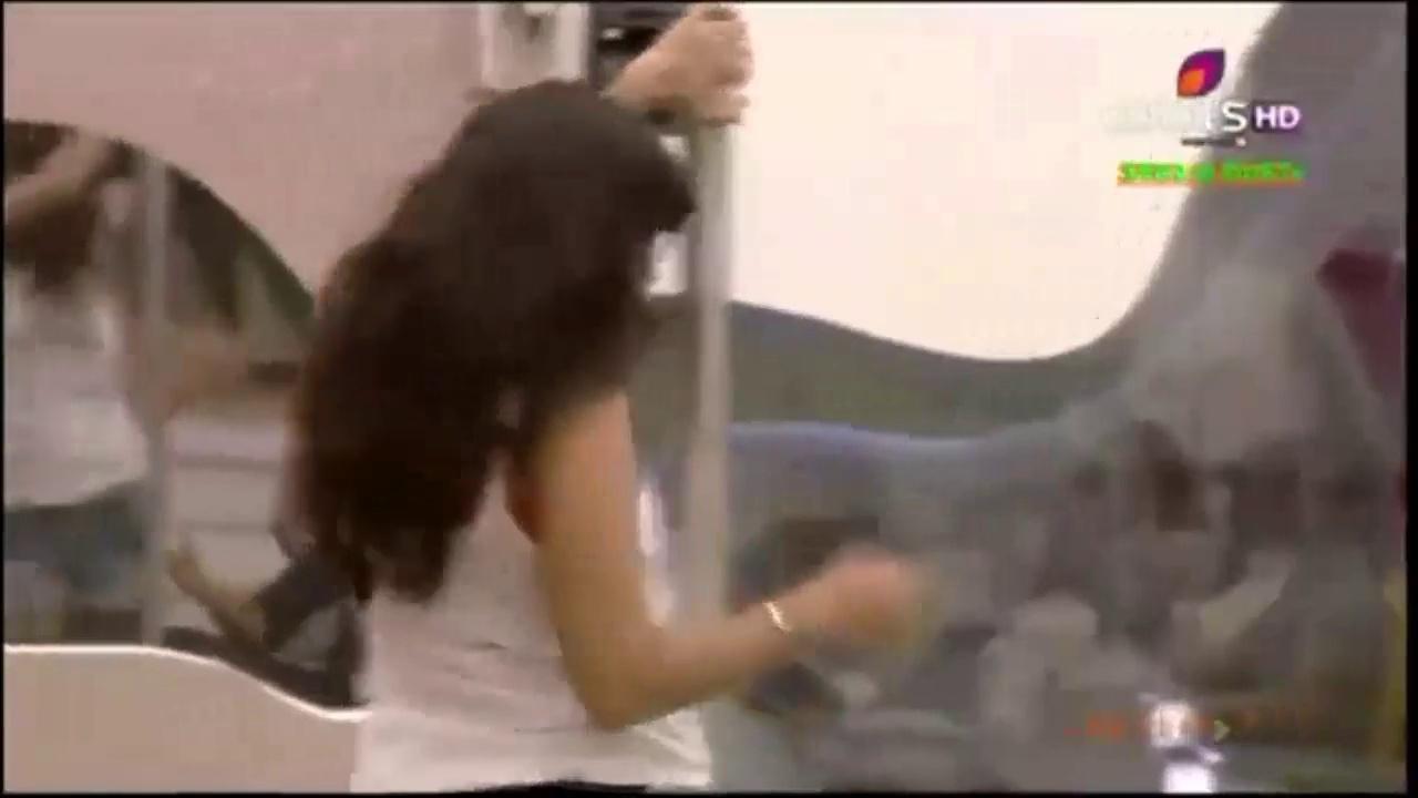 Sunny Leone Sexy Pole MUJRA Dance Very Hot Sexy Dance FULL ROMANTIC