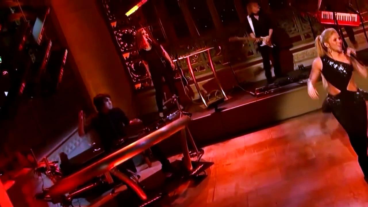 Shakira Empire Live