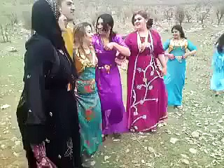 Pashto Local Mast Afghan Sexy Girl Dance 2015 –