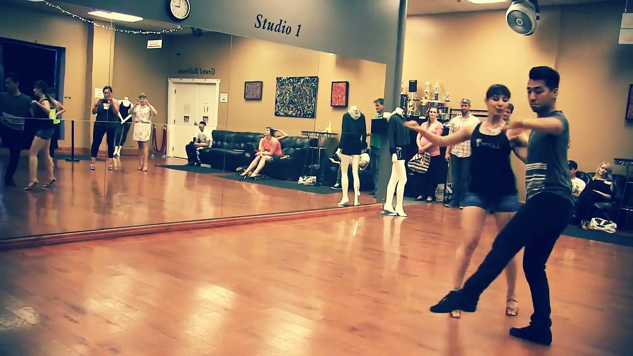 Salsa Classes at DF Dance Studio – Start Now!