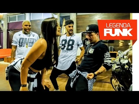 MC Créu Part. Louco de Refri, MC WM, MC Lan, MC Zaac e Os Cretinos – Dança Louca (Vídeo Clipe)