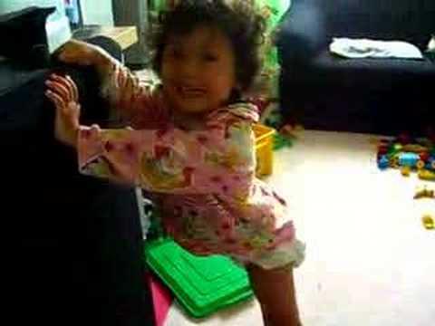 tashinha dançando creu