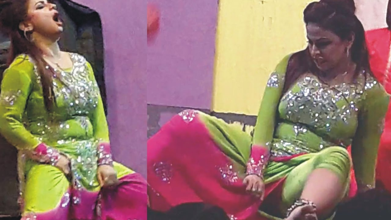 Nida Chaudhary New Unseen Mujra 2017 Pakistani Stage Dance Video Song